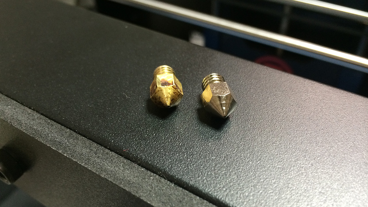 Replacing the Extruder Nozzle of MakerBot Replicator 2 - 3D