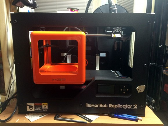 micro-3d-printer-inside-replicator-2